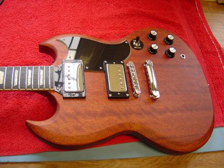 saitenlage akustikgitarre einstellen